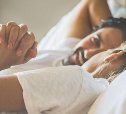 Thuốc xịt kéo dài thời gian quan hệ giúp găn kết các cạp tình nhân